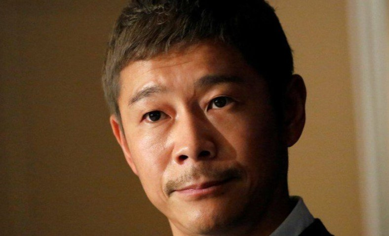The trip to the Moon of the Japanese Billionaire that will take Eight Companions